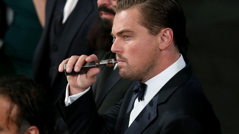 Курение электронных сигарет признали заразным