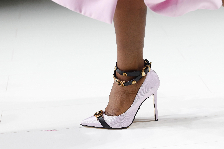 Белая обувь 2018 с чем носить