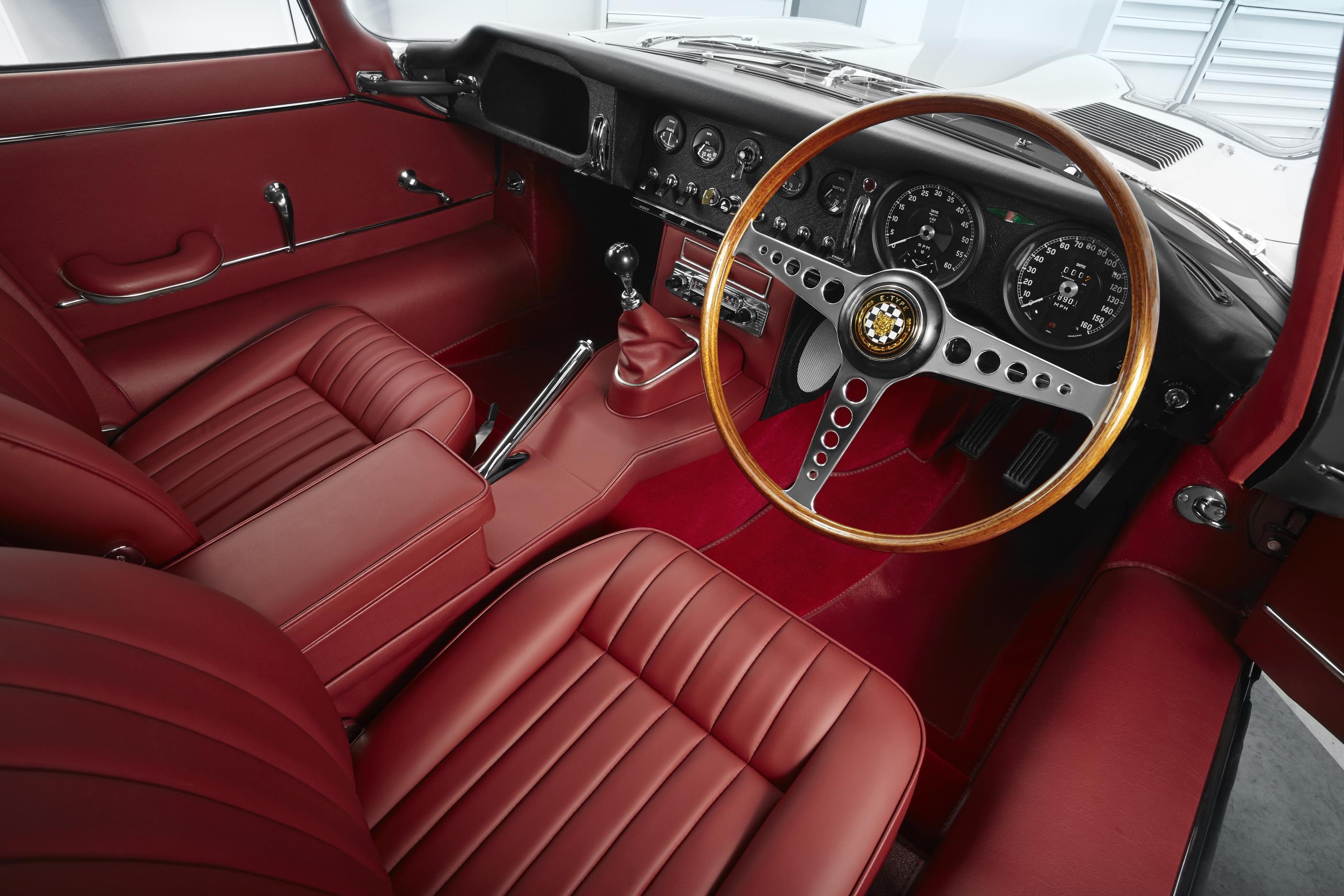 Ягуар объявил овозвращении знаменитого ретро-купе Ягуар E-type