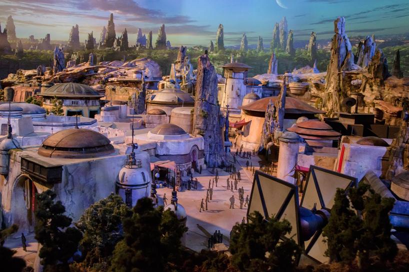 Вамериканском Диснейленде появятся тематические парки, приуроченные к «Звездным войнам»