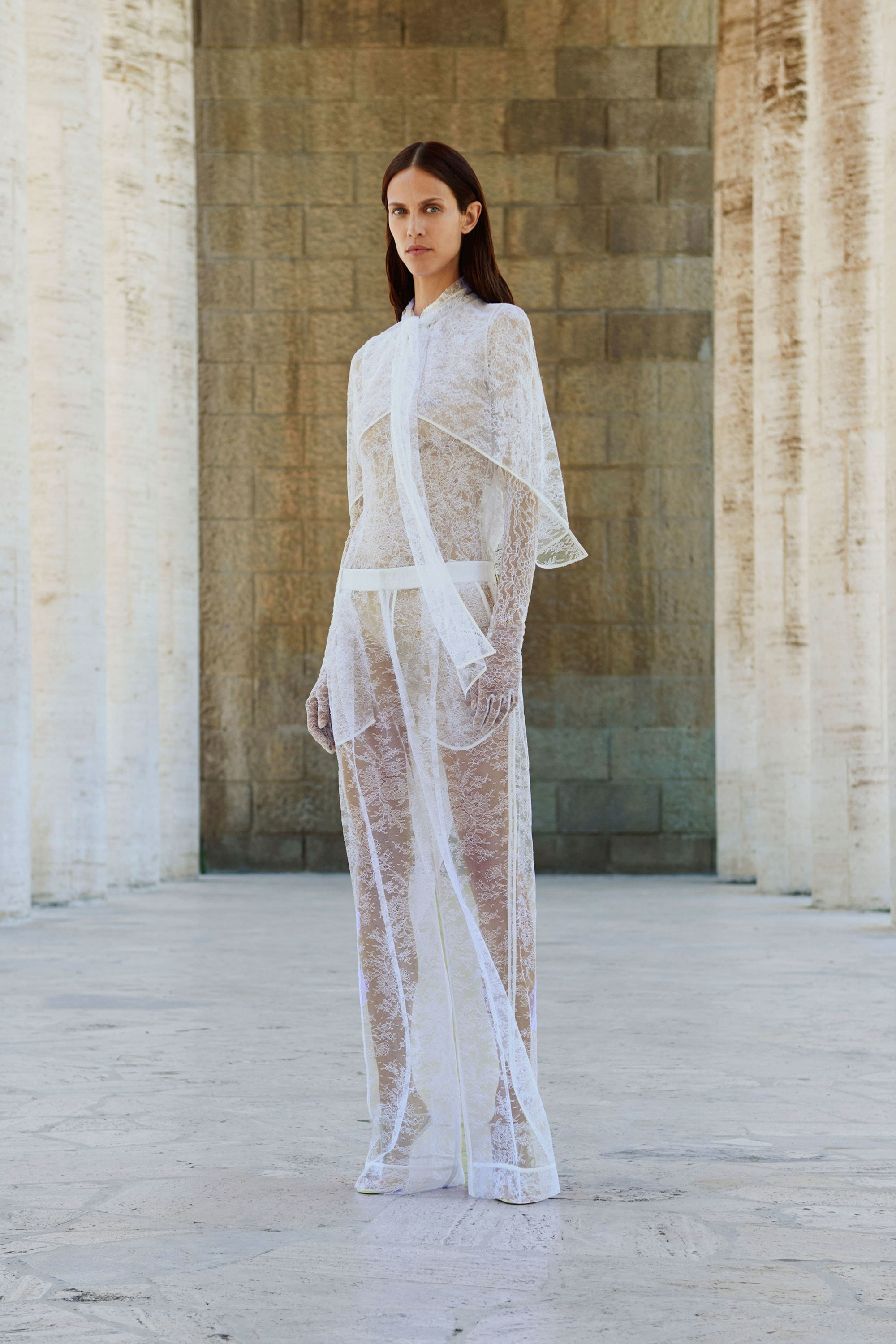 лукбук Givenchy Resort 2018