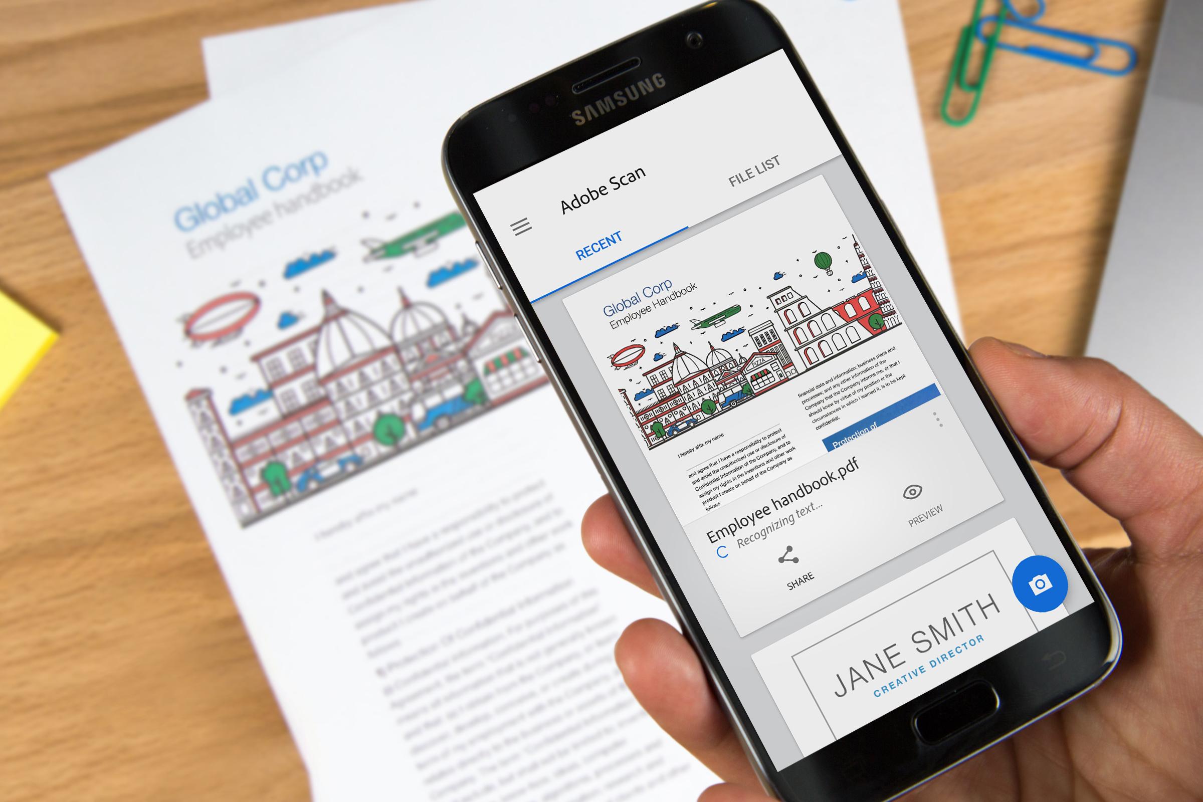 Adobe запустила приложение-сканер документов
