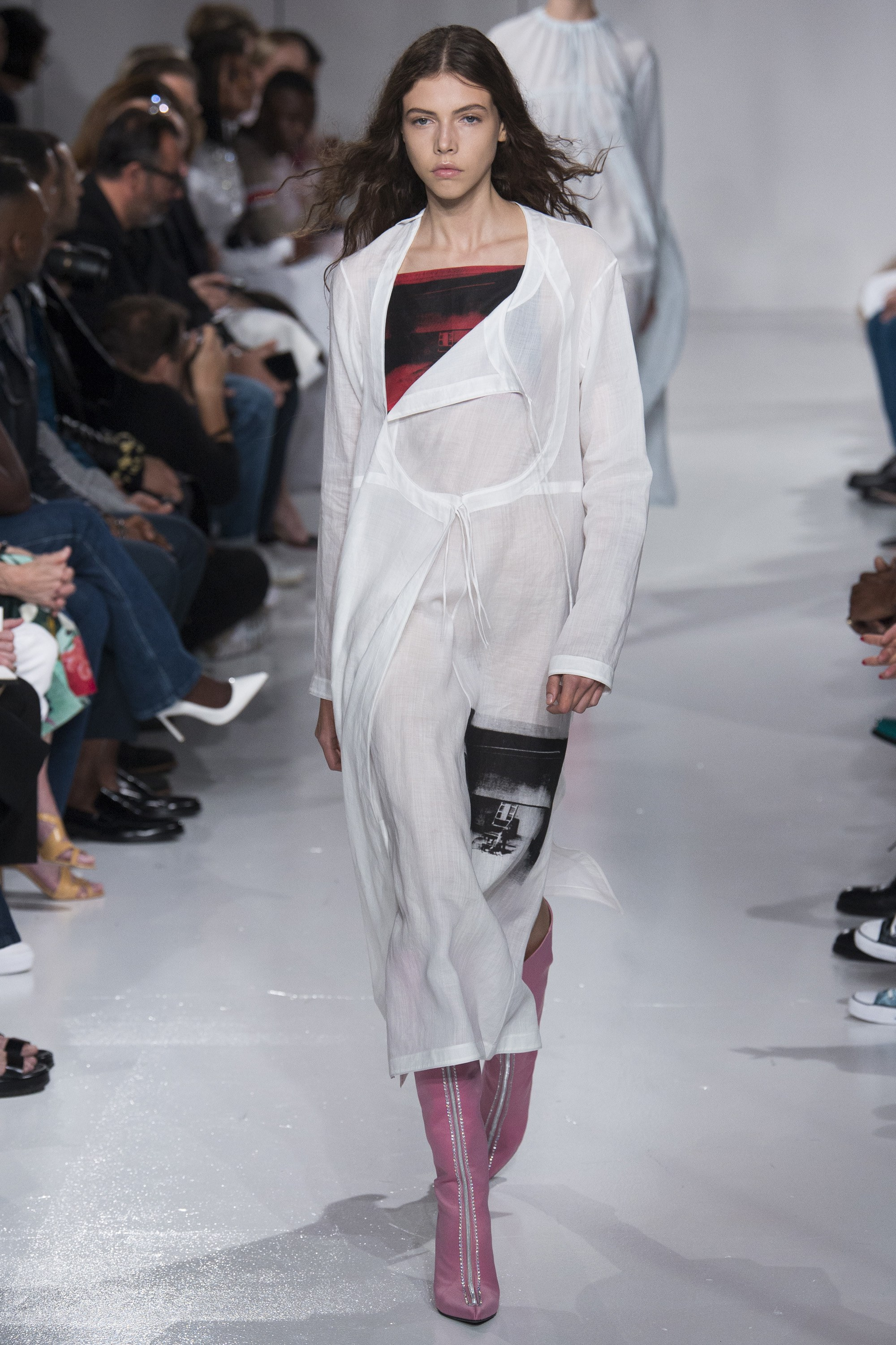 показ Calvin Klein ready-to-wear сезона весна-2018