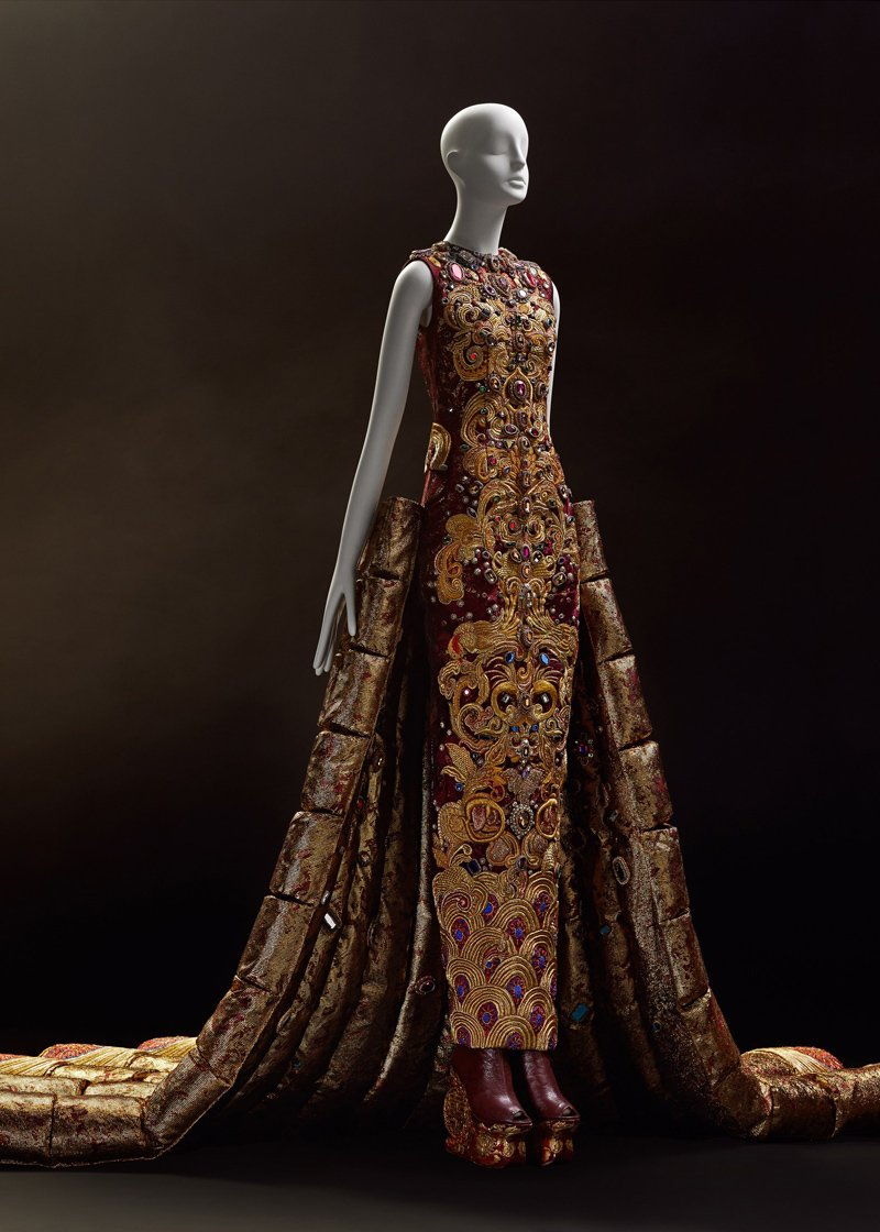 выставка Guo Pei: Couture Beyond