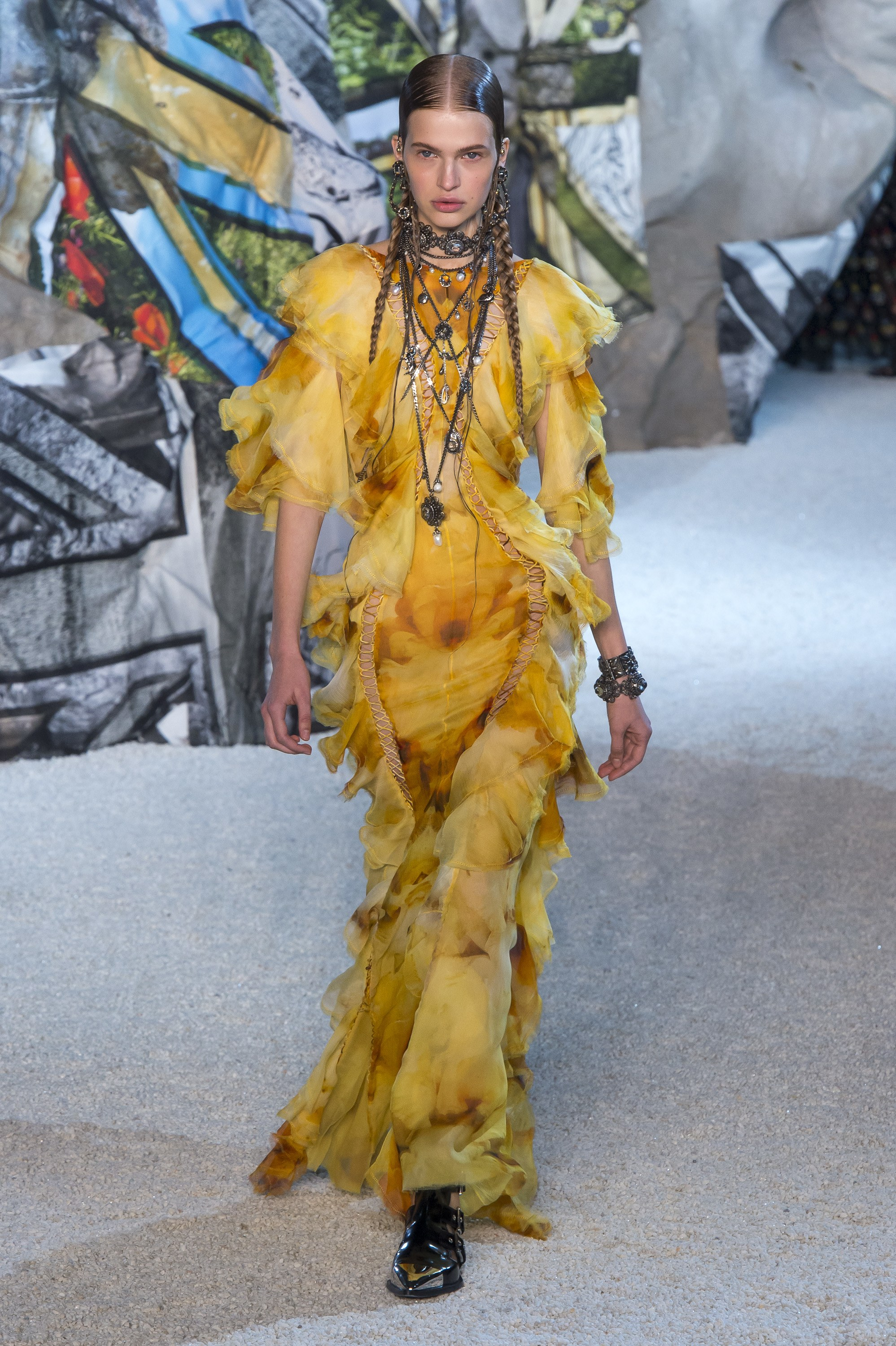 Alexander McQueen ready-to-wear Spring 2019